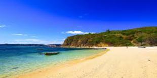 Senggigi Hamparan Pantai Putih Nan Indah
