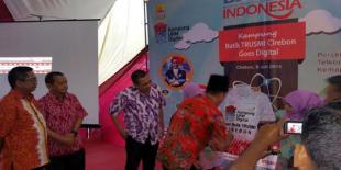 Telkom Sulap Pasar Batik Cirebon Jadi Kampung UKM Digital