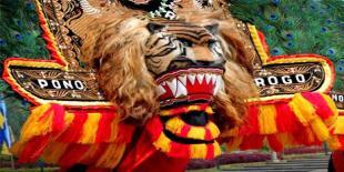 Turis Jepang Kepincut Reog Ponorogo