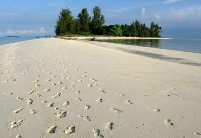 Infrastruktur Hambat Perkembangan Pariwisata Morotai