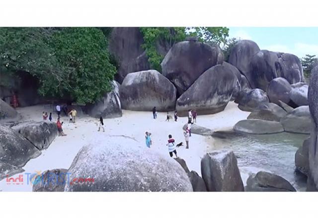 Pantai di Pulau Lengkuas
