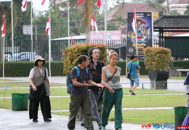 Wisman Cina tetap kunjungi Borobudur meski ada wabah Corona