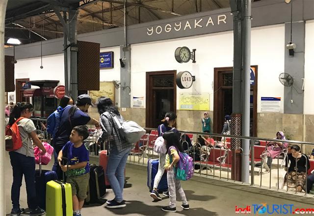 Libur akhir tahun, tersedia 64 perjalanan KA di Daop 6 Yogya
