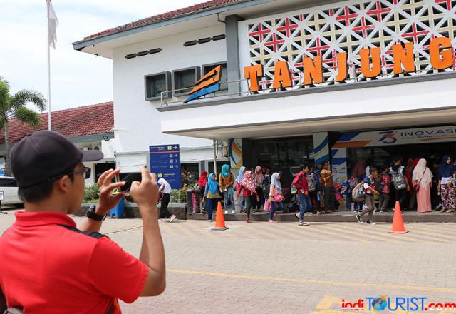 Stasiun Tanjungkarang Padat
