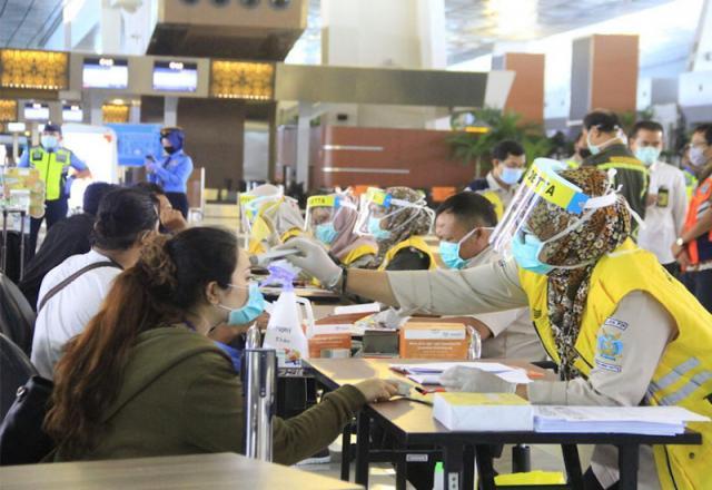 Di Bandara Soetta, protokol kesehatan diperketat