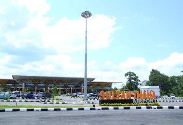 Bandara Sultan Thaha uji coba autogate validasi dokumen